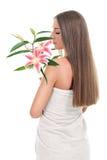 Lukta blommor för nätt kvinna Royaltyfria Foton