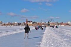 LuleÃ¥s lodowy lodowisko dla rekreacyjnego i przez cały kraj łyżwiarstwa zdjęcia royalty free