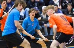 Lulea, Suécia - 4 de junho de 2015 Jogo da amizade no floorball entre o hóquei de Lulea e o IBK Lulea Fotos de Stock Royalty Free
