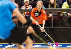 Lulea, Suecia - 4 de junio de 2015 Juego de la amistad en floorball entre el hockey e IBK Lulea de Lulea Elias Sathergren (IBK Lu Imágenes de archivo libres de regalías