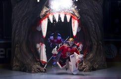 Lulea, Svezia - 18 marzo 2015 Joel Lassinantti (hockey di #34 Lulea) entra nel ghiaccio dentro Fotografia Stock