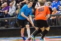 Lulea Szwecja, Czerwiec, - 4, 2015 Przyjaźni gra w floorball między Lulea hokejem Lulea i IBK Dziekan Kukan (Lulea hokej) Zdjęcia Stock