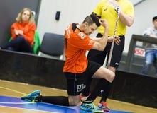 Lulea, Zweden - Juni 4, 2015 Vriendschapsspel in floorball tussen Lulea-Hockey en IBK Lulea Van Reed Hearns (IBK Lulea) de scores Stock Afbeeldingen