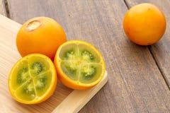 Lulo tropikalnej owoc Solanum quitoense Fotografia Royalty Free