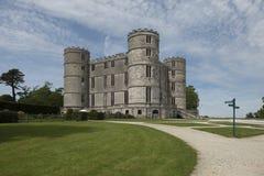 Lulworth slott på en solig dag royaltyfri bild