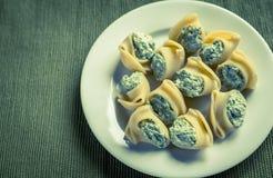 Lumaconi bourré avec du fromage Photos libres de droits