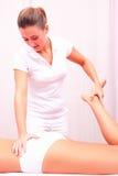 Lumbal rygg för Osteopathic manuell terapi Royaltyfria Bilder