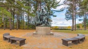 Lumberman' s纪念碑, Highbanks足迹,休伦湖国家森林, MI 免版税库存照片