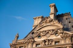 Lumbrera del edificio del detalle en París fotografía de archivo