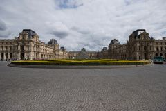 Lumbrera y el museo, París fotografía de archivo libre de regalías