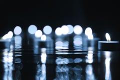 Lume di candela blu Defocused Immagini Stock Libere da Diritti