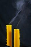 Lume di candela vicino su sopra il nero, fondo di giorno di Halloween Immagine Stock Libera da Diritti