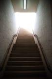 Lumière à l'extrémité du tunnel images libres de droits