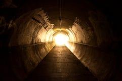 Lumière à l'extrémité du tunnel Photographie stock