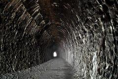Lumière à la fin de tunnel Photographie stock libre de droits