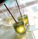 Lumière élégante sur la table en verre Photo stock