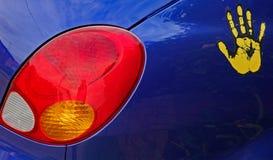 Lumière arrière brillamment colorée de voiture image stock