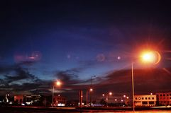 Lumière, bâtiment et fusée Images stock