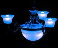 Lumière bleue dans une chambre noire Photographie stock libre de droits