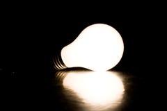 lumière d'ampoule lumineuse Photographie stock