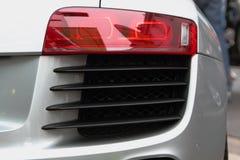Lumière d'arrière de voiture de sport. photographie stock libre de droits