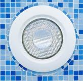Lumière dans la piscine image stock
