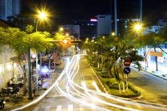 Lumière dans le citi la nuit photo libre de droits