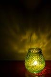 Lumière de bougie tard le soir photographie stock libre de droits