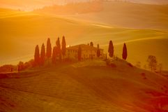 Lumière de début de la matinée sur une villa italienne Photos stock
