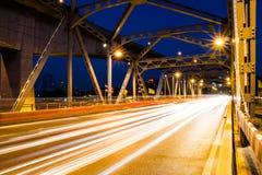 Lumière de faisceau de pont de Krungthep à Bangkok Thaïlande Photos stock