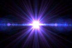 Lumière de fusée de lentille au-dessus de fond noir Facile d'ajouter le recouvrement ou le s Images stock