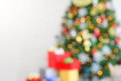 Lumière de Noël brouillée abstraite d'arbre de Noël avec l'espace de copie pour le fond photo libre de droits