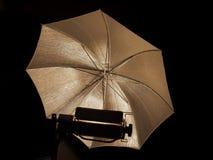 Lumière de parapluie de studio de photographie Photo stock