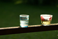 Lumière de printemps avec des bougies de thé Image stock