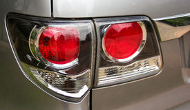 Lumière de queue du côté gauche de la voiture, SUV images stock