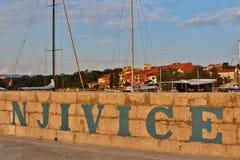 Lumière de soirée dans Njivice sur Krk Photos libres de droits