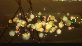 lumière de voiture la nuit avec l'antenne de téléphone sur le premier plan Animation de lumière de bulle banque de vidéos