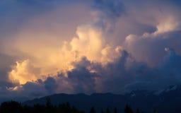 Lumière du soleil dans les nuages Photos libres de droits