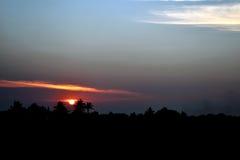 Lumière du soleil de soirée dans la campagne de la Thaïlande Photos libres de droits