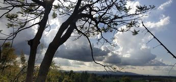 Lumière du soleil, rayons, montagnes, nature, ciel, nuages, hivers, rayons de soleil, dehr photographie stock