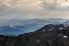 Lumière du soleil sur des montagnes du Colorado Photographie stock
