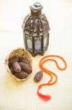 Lumière et dates de Ramadan Photo stock