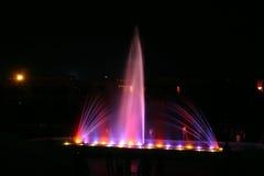 Lumière et fontaine 4 Photographie stock libre de droits