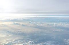 Lumière et nuages dans le ciel Images libres de droits