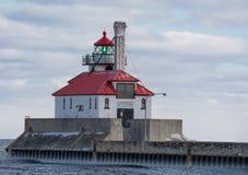 Lumière externe de brise-lames du sud de port de Duluth Photo libre de droits