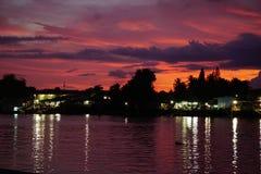 Lumière naturelle de soirée pendant l'été de la Thaïlande du sud Photos libres de droits