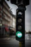 Lumière verte de lampe du trafic pour la bicyclette Photographie stock libre de droits