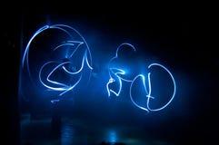 Lumières bleues dans l'obscurité Photographie stock libre de droits