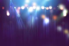 Lumières brouillées sur l'étape, résumé de l'éclairage de concert photos stock