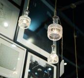 Lumières d'ampoule dans la chambre Images libres de droits